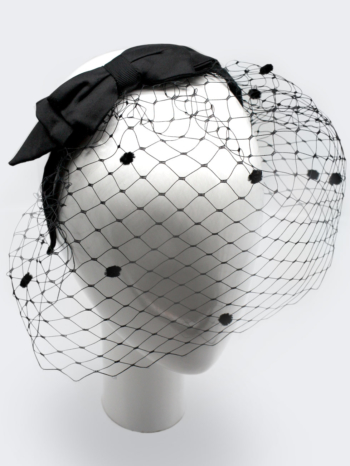 Black silk bow with spotted veil $380