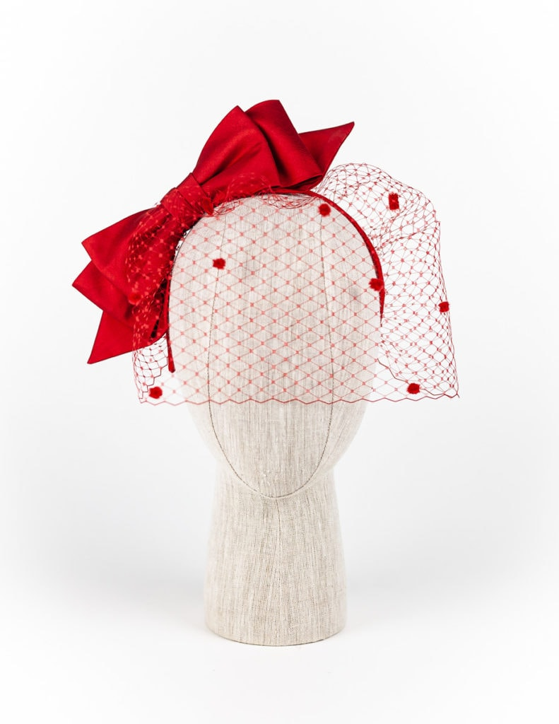 Red silk bow with spotted veil $420